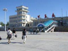 阿勒泰机场汽车救援,阿勒泰机场道路救援,阿勒泰机场拖车救援电话